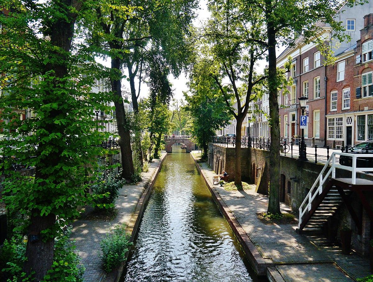 1200px-Utrecht_Altstadt_32